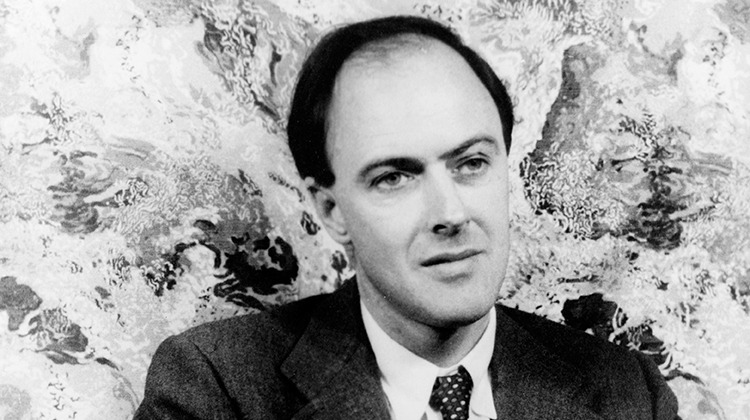 ENGLISH MAG - JPEG - Roald Dahl - F39J22.jpg